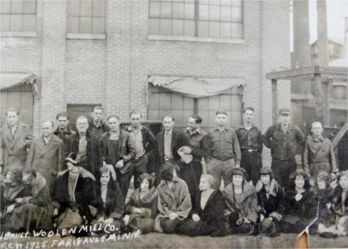A 1925 photograph of Faribault Woolen Mill Co. employees. In that year, bungalow dwellers could purchase of pair of wool blankets made at the mill for $20.
