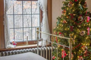 Christmas tree in Glensheen bedroom.